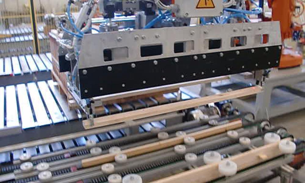 APPLICAZIONI-ROBOTICHE_movimentazione-e-pallettizzazione2